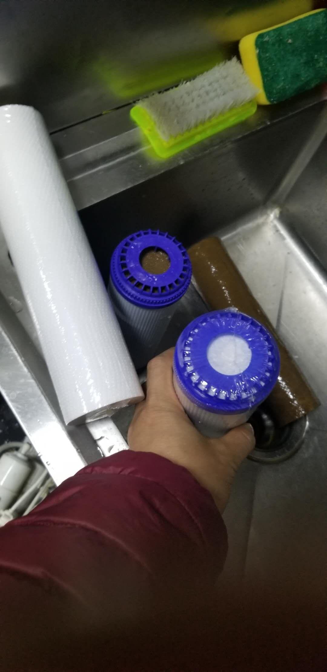 净水机不出水其实并不需要维修只需更换滤芯就好了