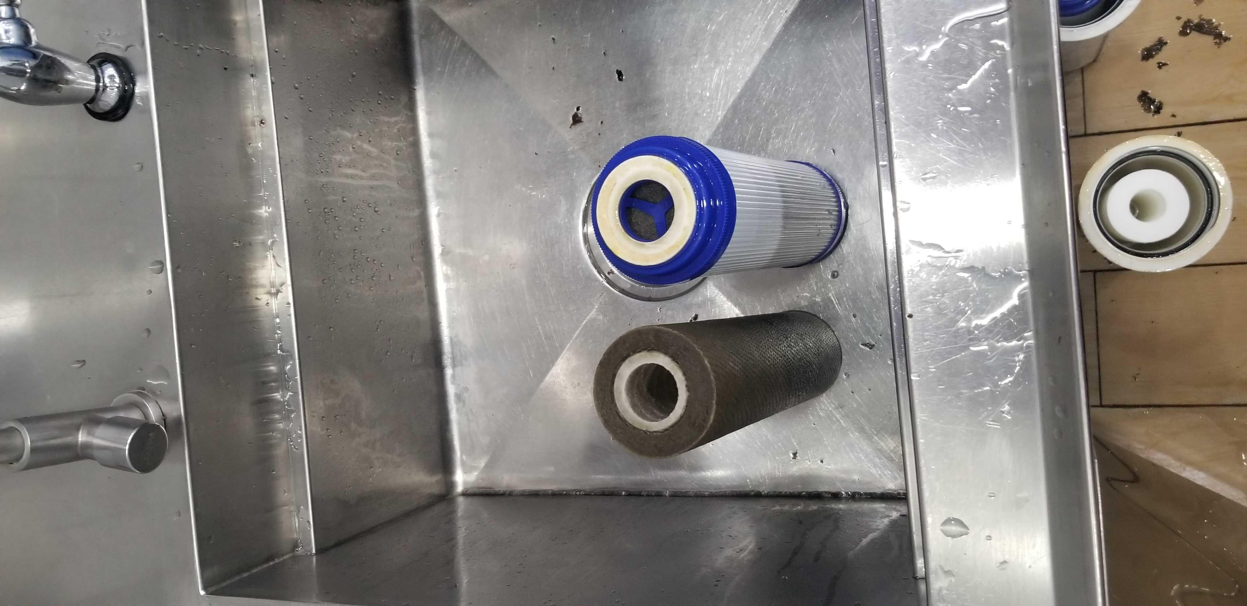 安吉尔净水器更换滤芯前后对比